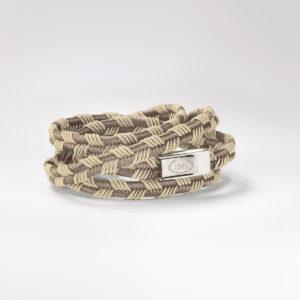 Cocktail Bracelet Banshee. Un accessorio che prende spunto dal savoir-faire centenario della passamaneria di MV1843. Acquista on-line!
